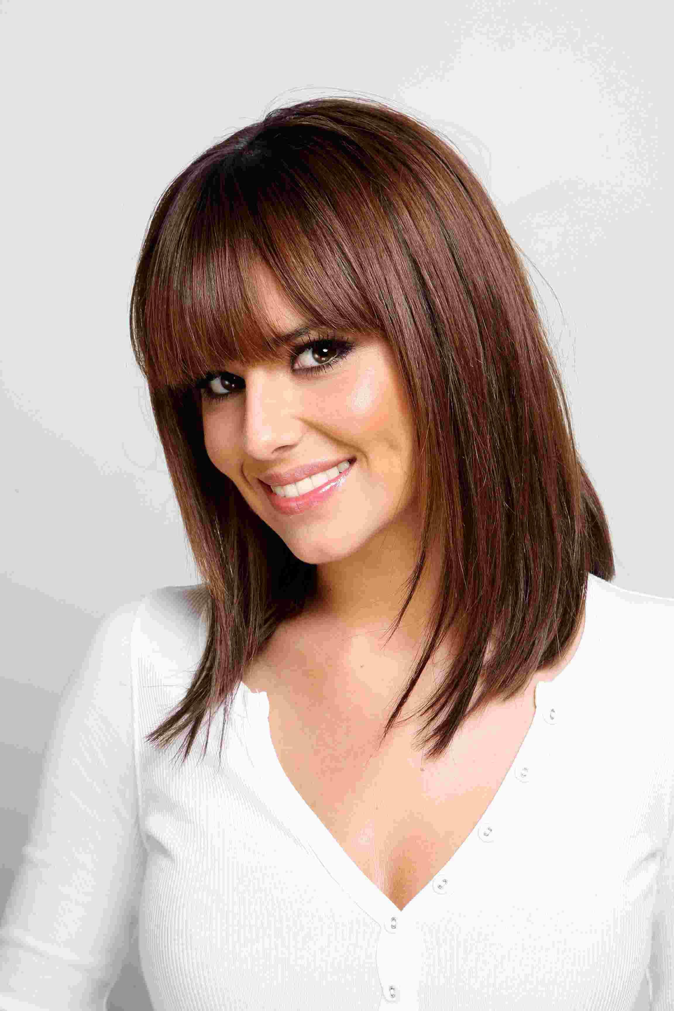 прически для прямых волос средней длины фото