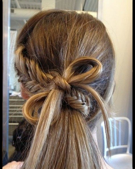 More: Easy Hairstyles For Long Hair For School