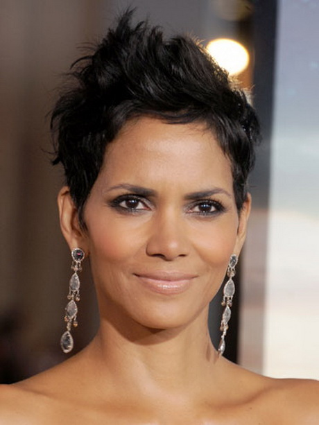 Halle Berry Short Hairstyles halle berry halle berry is the queen of the pixie and her textured messy Rby Halle Berry Short Hairstyle Lgn Genevievennajishorthair_that1960chickdotcom