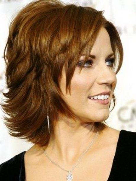Medium layered hairstyles for women