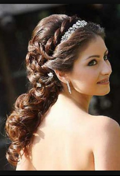 hairstyles quinceanera with curls to the side pictures