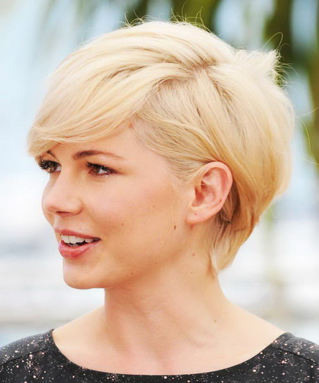 Short Haircut Round Face