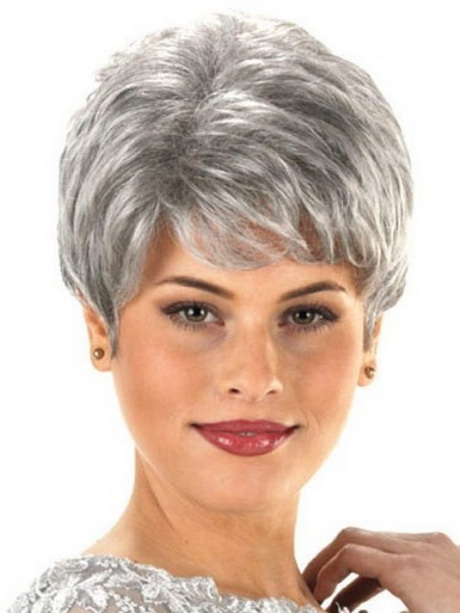 Short Haircuts For Older Women With Round Faces