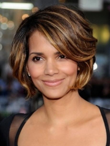Short hairstyles for full figured women