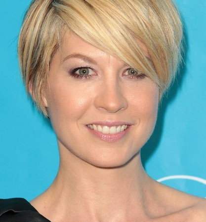 Beautiful Hairstyles For Fine Hair Round Face Pictures - Styles ...