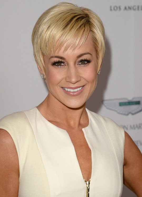 Short Hairstyles For Women Over 50 Hairstyle Picture Magz Year Old Woman With Gles