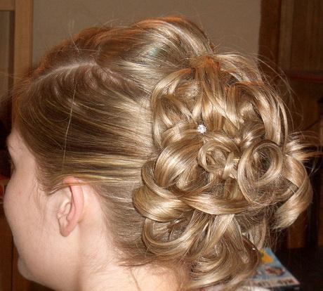 Bridal hairstyles for thin hair
