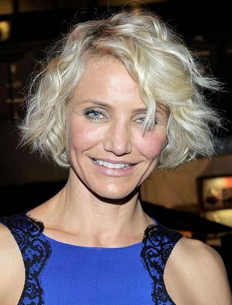 Short hairstyles for women over 50 2018