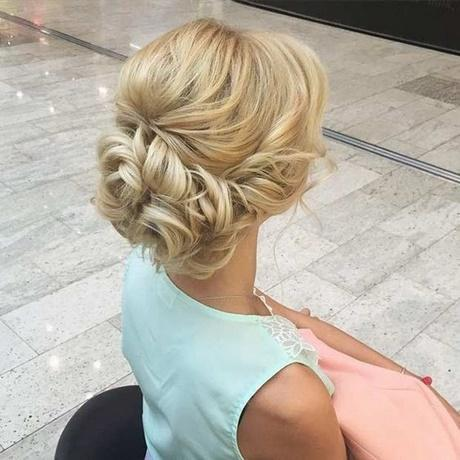 10 Pretty Messy Updos for Long Hair: Updo Hairstyles 2018