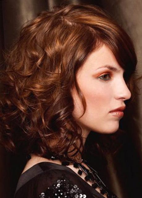 Best Medium Length Haircuts For Curly Hair