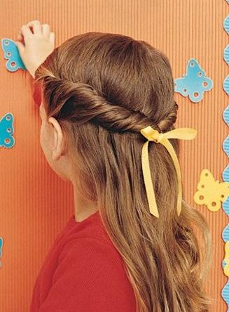 Simple girl hairstyles 25 little girl hairstylesyou can do yourself get out of your solutioingenieria Gallery