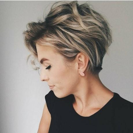 Current short hairstyles for round faces