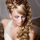 Beautiful hairstyles for prom