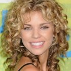 Cute medium curly hairstyles