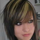 Cute medium haircuts for teenage girls