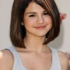 Medium length haircut for round face