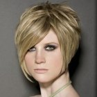 Is short hair in style