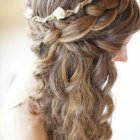 Cute hairstyles for a wedding