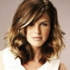 Trendy haircuts for medium length hair