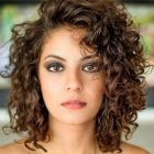 Short naturally curly hairstyles 2018