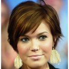 Short hairstyles for women round faces