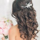 Wedding hair stayl