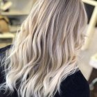 Trendy blonde hair 2019