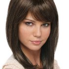 Stylish hairstyles for medium length hair