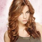 Best haircut for round face wavy hair
