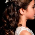 Wedding hairstyles for teenage bridesmaids