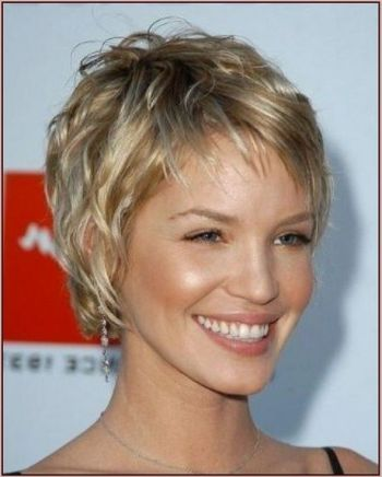 Short haircuts for fine and thin hair